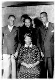 Clarence, Willie Mae, Edward, Mom Ella